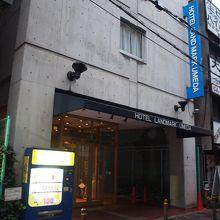 梅田駅すぐです