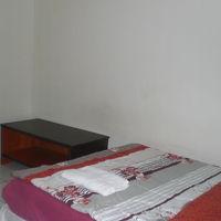 さくらタワーホテル客室のベッドです。白色の中に映えています。