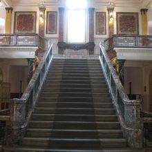 正面玄関階段