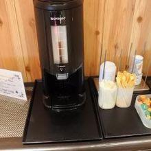 フロント階に無料のコーヒーサービスもありました