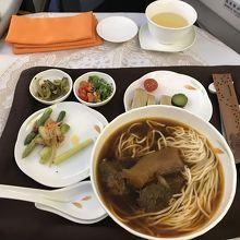 鼎泰豊の牛肉麺 台北ーバンコク
