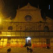 夜のサンタ マリア デル ポポロ教会