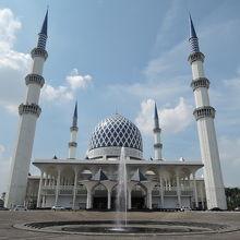 スルタン サラフディン アブドゥル アジズ シャー モスク (ブルーモスク)