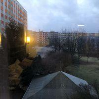 プラハ郊外なのでこれといった眺望は望めません。