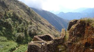 インカトレイルに点在する遺跡もすごい
