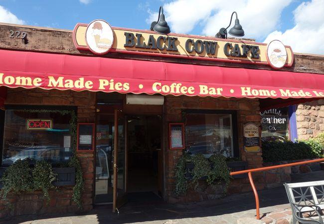 ブラック カウ カフェ