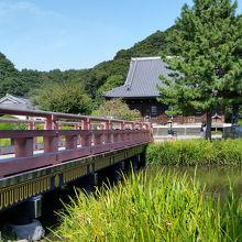 称名寺庭園。橋も渋い。