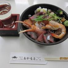 海鮮丼と日本酒【東洋美人】