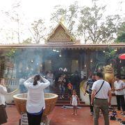 仏教の日は地元信者でいっぱい