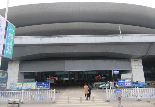 南寧呉墟国際空港 (NNG)