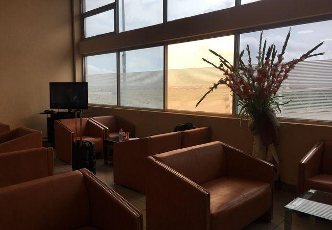 ポワントノワール空港 (PNR)