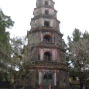 七層八角形の塔で有名