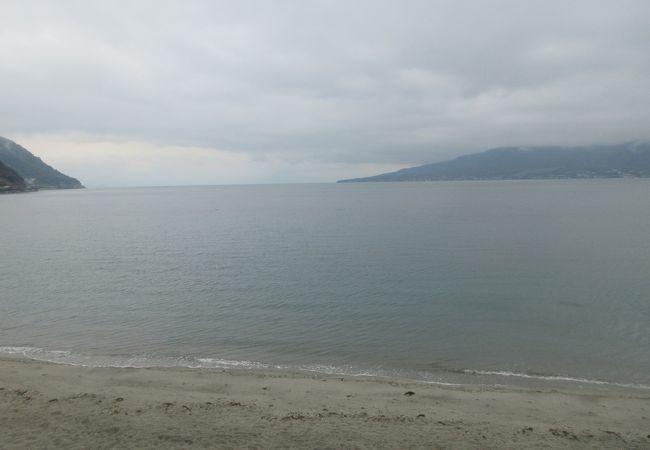 冬は浜千鳥のメロディが似合いそう。