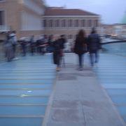 ローマ広場と本島をつなぐ新しい橋
