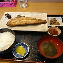 地元の人にも人気の焼き魚定食
