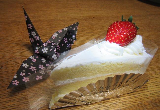 ケーキがお買い得!いろいろなお菓子もある!
