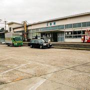 山陰本線の主要駅でもあり元三江線の終着駅でした。