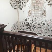 4階から3階への階段だけこの壁紙