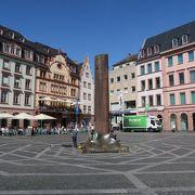 マインツ大聖堂のそばにある広場です。
