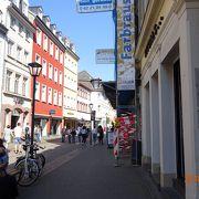 ハイデルベルク旧市街の大通り