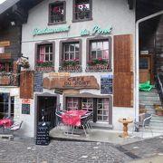 小さなスイス料理レストラン、カフェデュポン