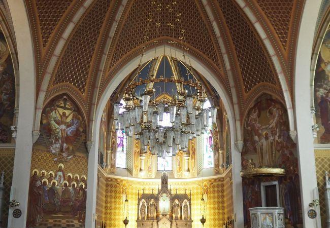ブレッド城の足元にある教会