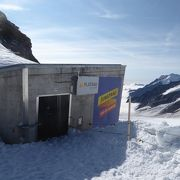 登山電車で簡単に到達できるユングフラウヨッホ