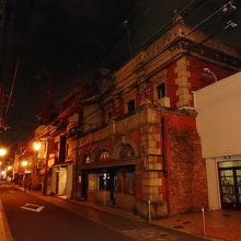 京都最古参の煉瓦店舗のレトロビル