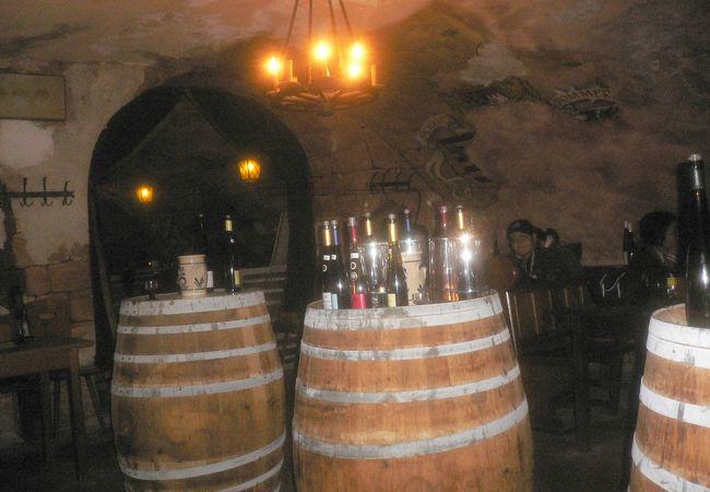 地下に在るワインショツプ