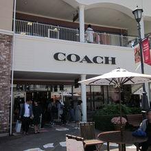 35d342b97b8f コーチ (りんくうプレミアムアウトレット店)は、泉佐野市にある、アウトレットモール内にあるショップです。こちらは女性物が多いです。