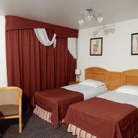 部屋は広くても、ベッドがせまいのは、ヨーロッパの謎