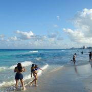 青いビーチ