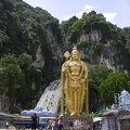 巨大な銅像がインパクト大!!!