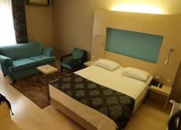 ラオディキヤ ホテル