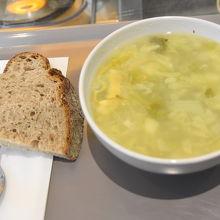本日のスープ(豆+キャベツ+じゃがいも)