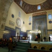 必見!緑のタイルが美しいブルサ様式のモスク