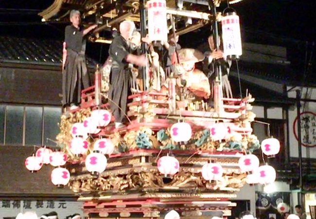 5月5日、越中の小京都・城端を彩ります