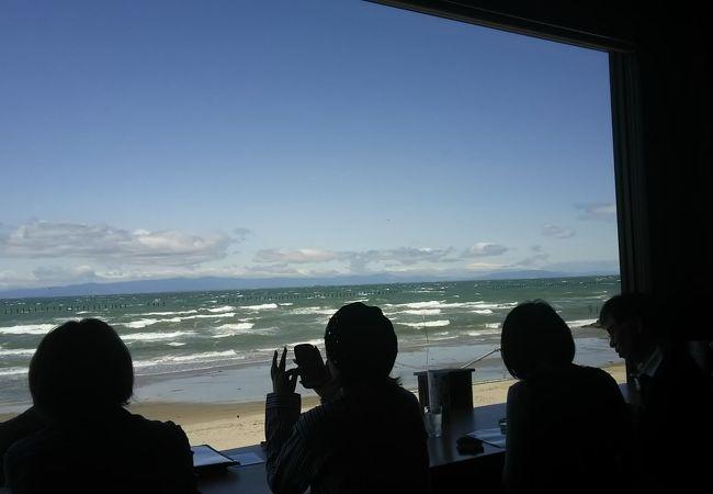 海を眺めながら釜飯を