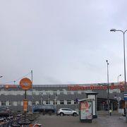 バスターミナルー港間は、バス1本で移動できます。