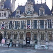 想像以上に立派な市庁舎