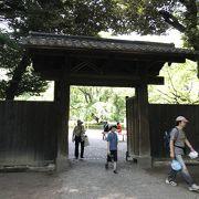 六義園の入り口