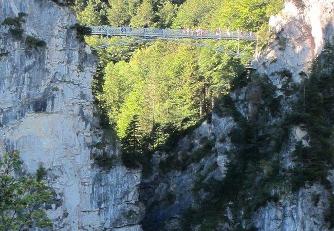 お城から見た橋