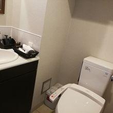 シングルルームには浴室は含まれていませんが