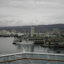 ホノルル港