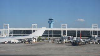 近代的な空港