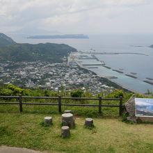 新島本村一望、富士見峠展望台は是非