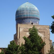 巨大なモスク
