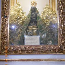 伝説のマリア像。