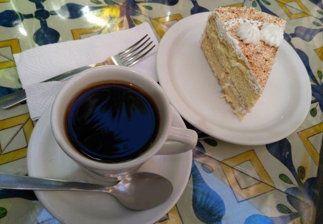 アンティグアのおすすめ老舗カフェ、ドーニャ・ルイーサ