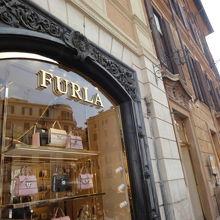 9b09569fba74 フルラ (スペイン広場店) クチコミガイド【フォートラベル】|Furla|ローマ